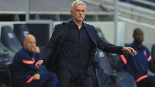 (Ngoại hạng Anh) Tottenham thất bại, Mourinho lấy lý do khó ngờ làm 'bia đỡ'