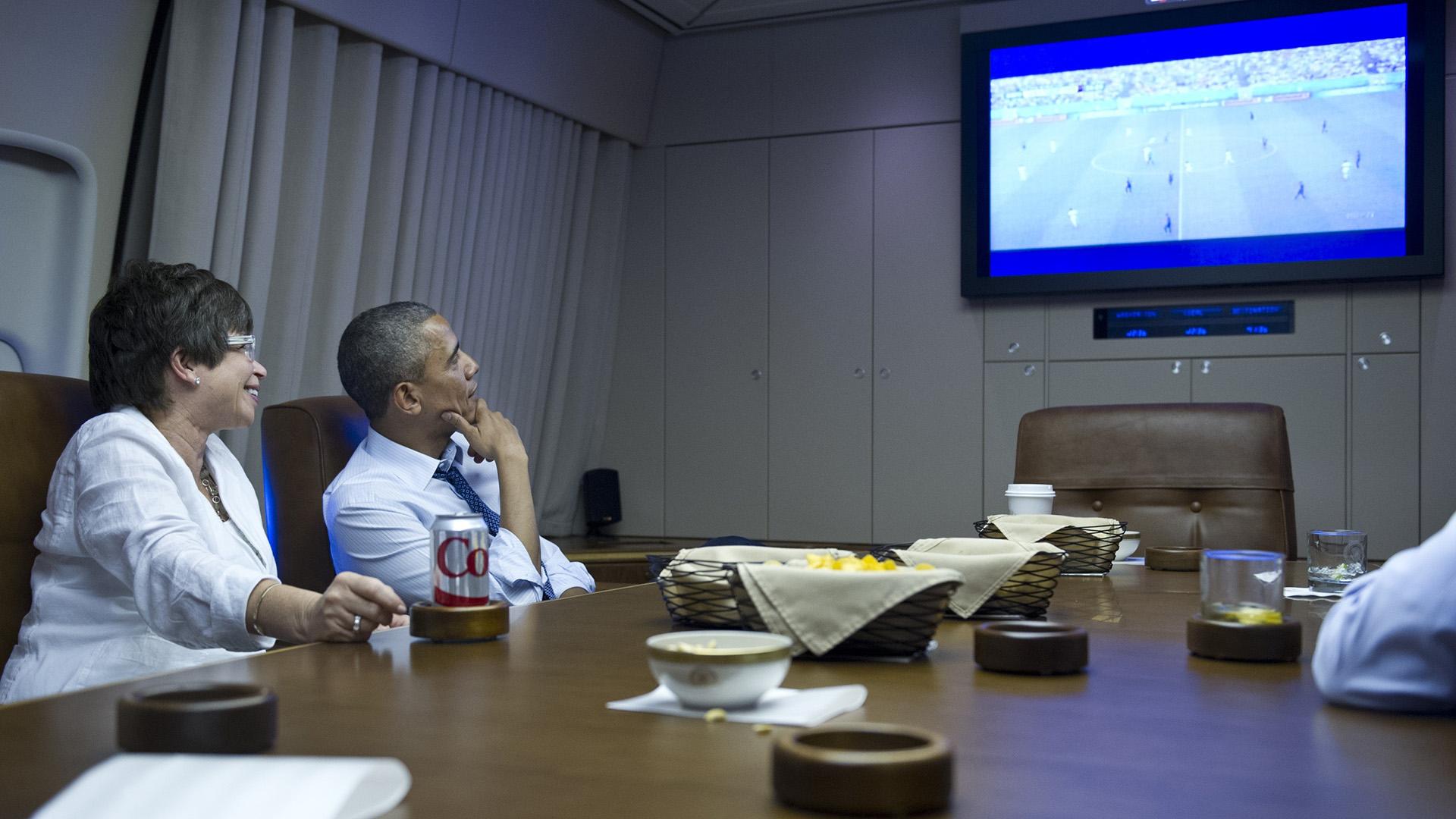 Barack Obama football soccer