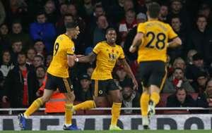 Raúl Jiménez Wolves Arsenal