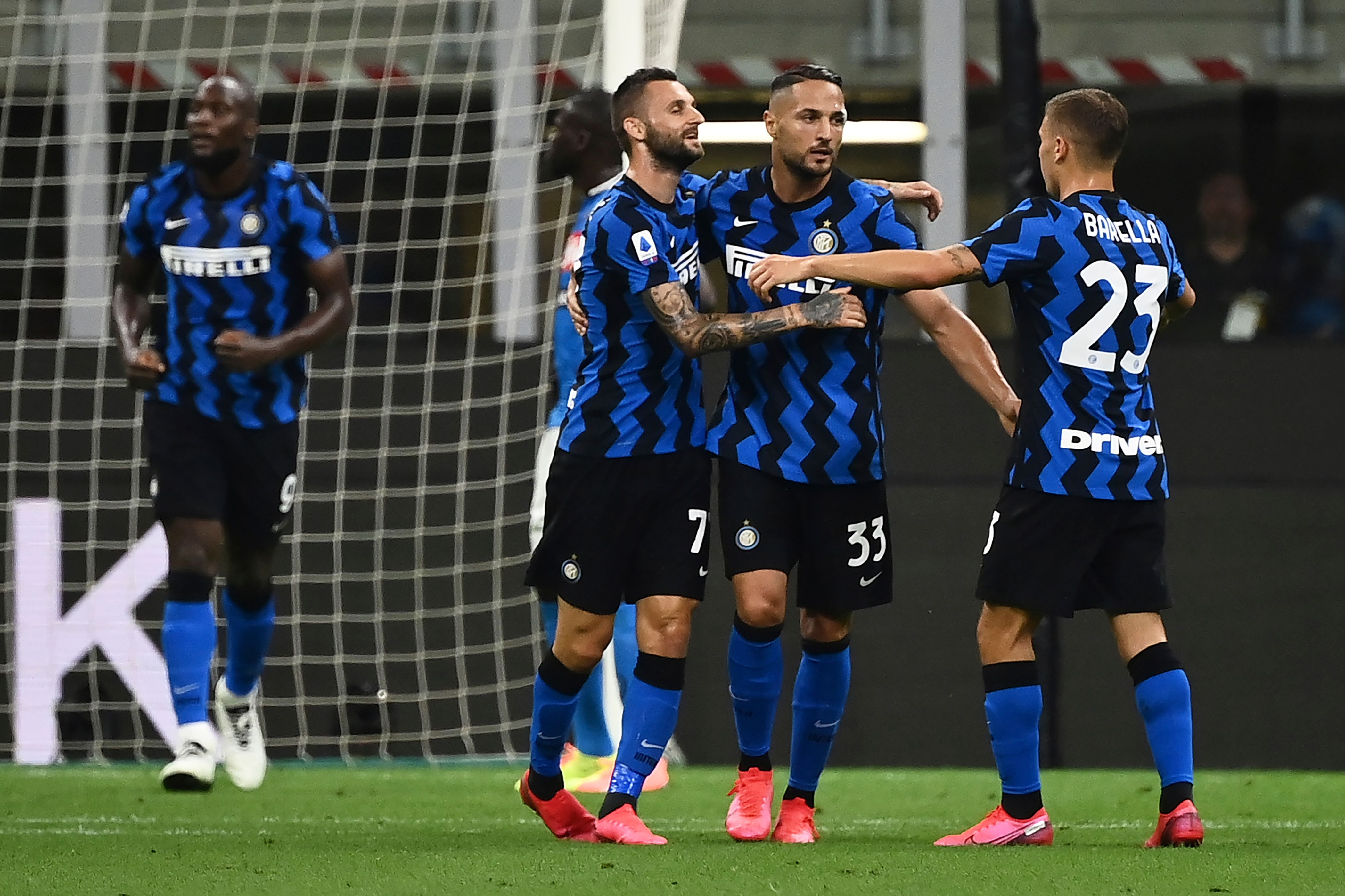 Inter Milan Bantai Napoli 2 - 0 Di Stadion San Siro 29 Juli 2020