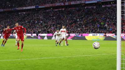 Robert Lewandowski FC Bayern Penalty Stuttgart 290119