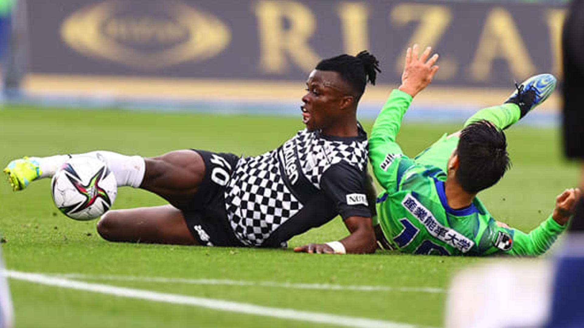 Timbe: Vermaelen beats Kenya star to Vissel Kobe monthly award