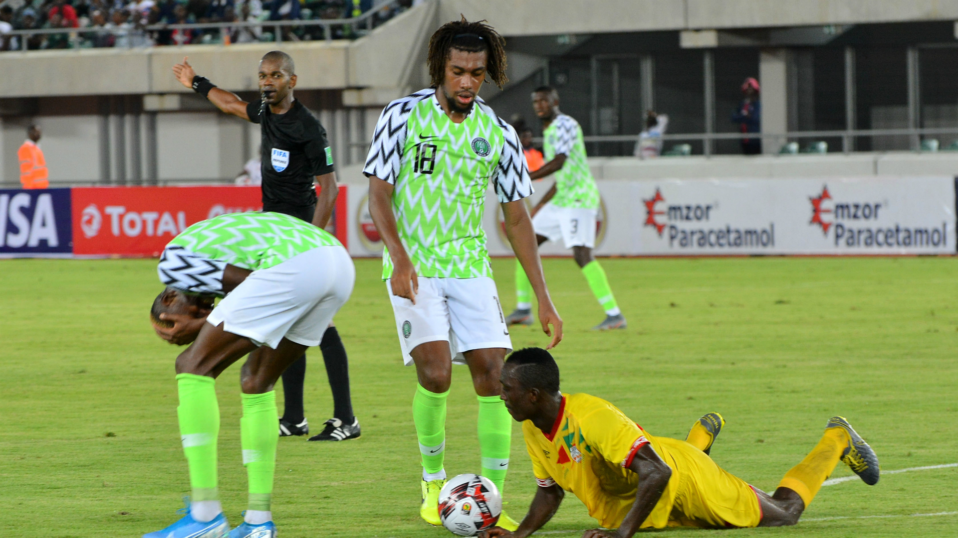 Fan View: 'Iwobi just Sterling with dreadlocks and Nigeria passport' - Super Eagle slammed after Cameroon loss