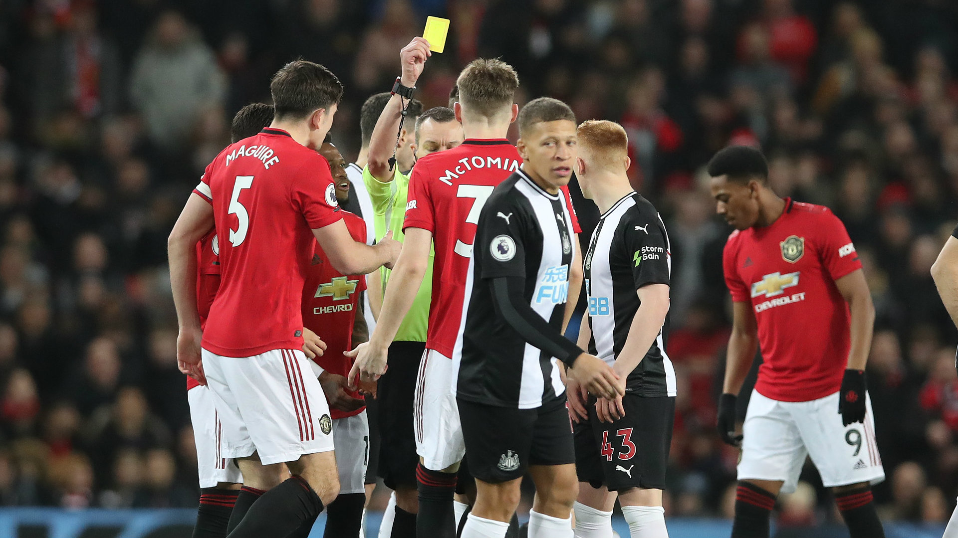 Man Utd Midfielder Mctominay Picks Up Fastest Premier League Booking In At Least 13 Years Goal Com