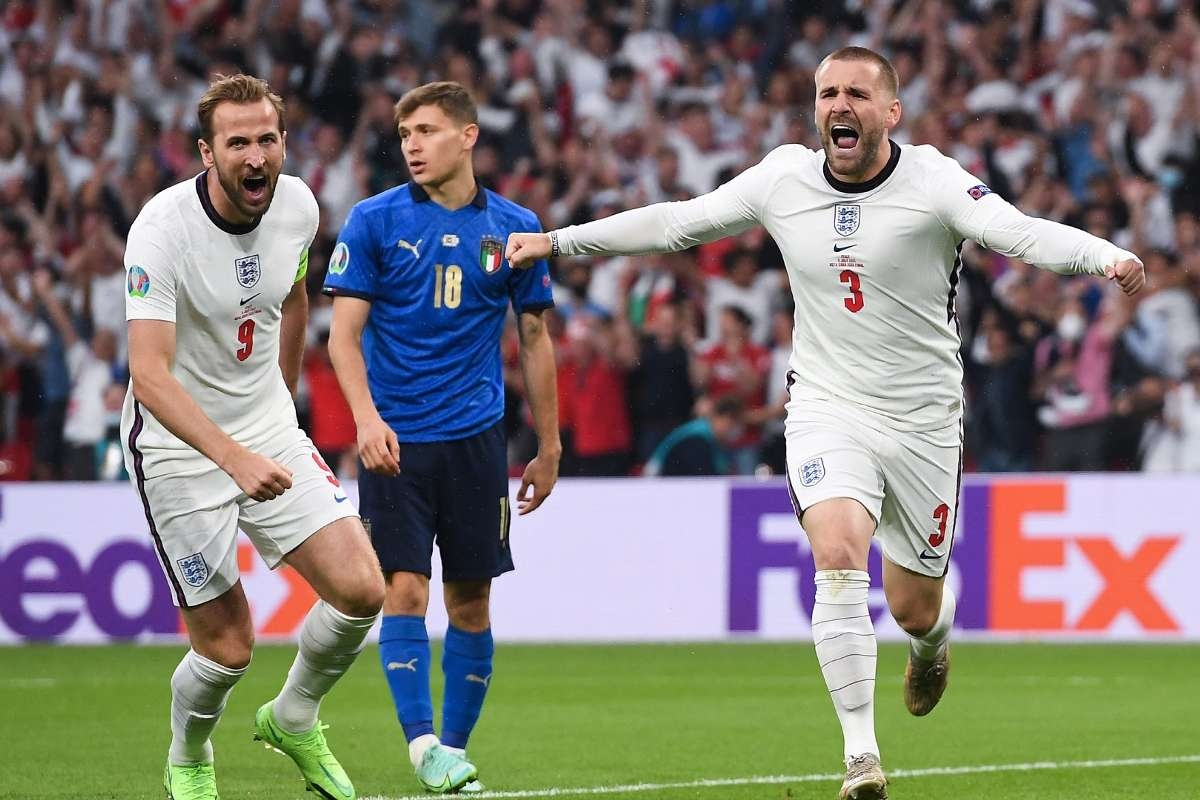 Shaw sets European Championship final record by scoring for England vs Italy | Goal.com