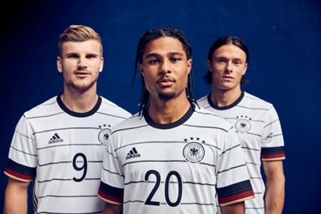 VIDEO: Das ist das neue Trikot der deutschen Nationalmannschaft