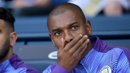 Fernandinho thừa nhận Man City đã bị Liverpool bỏ quá xa | Goal.com