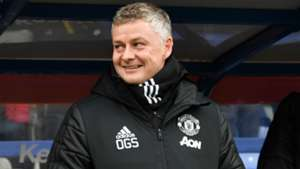 Solskjaer needs 'time and the right players' at Man Utd