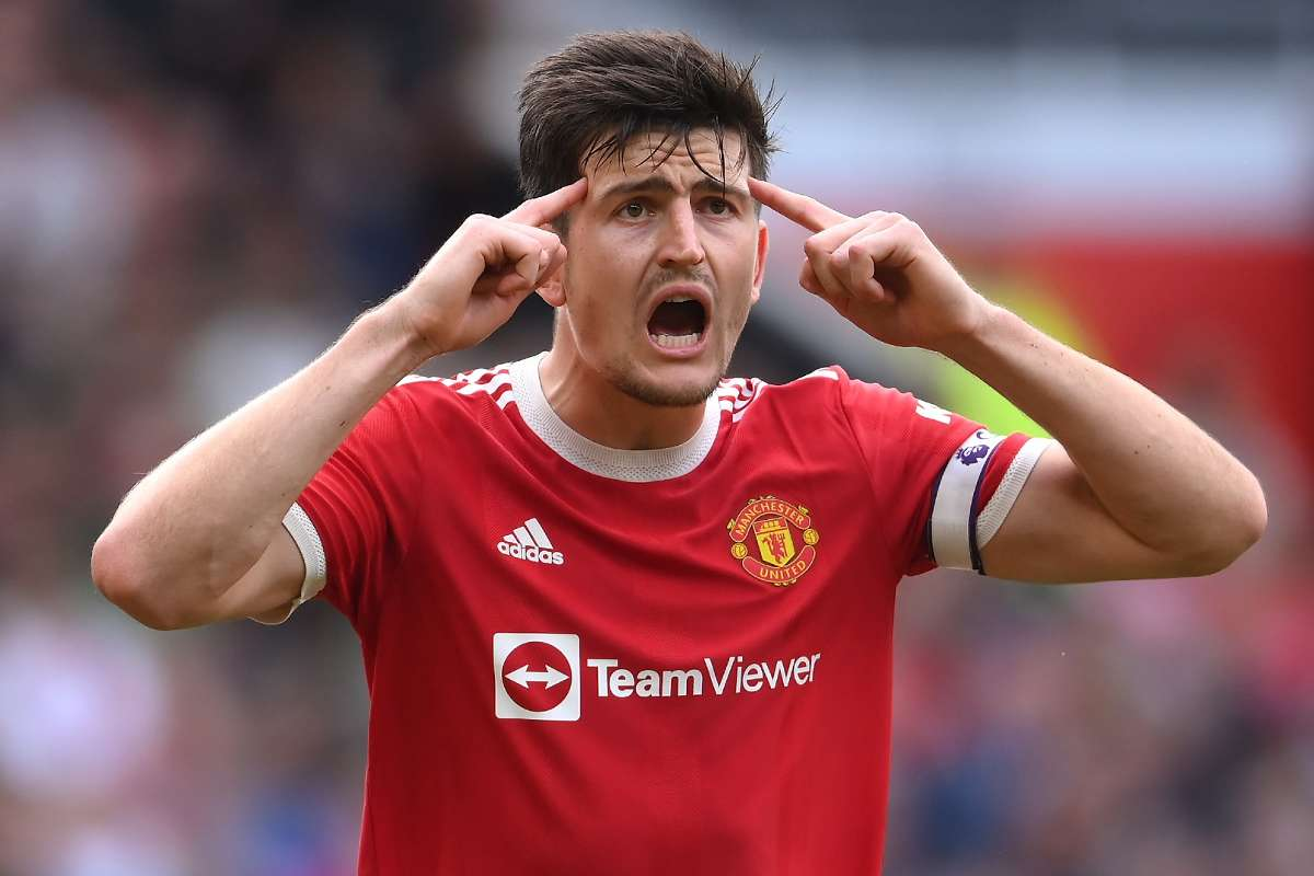 Maguire facing 'a few weeks' out at Man Utd with calf injury