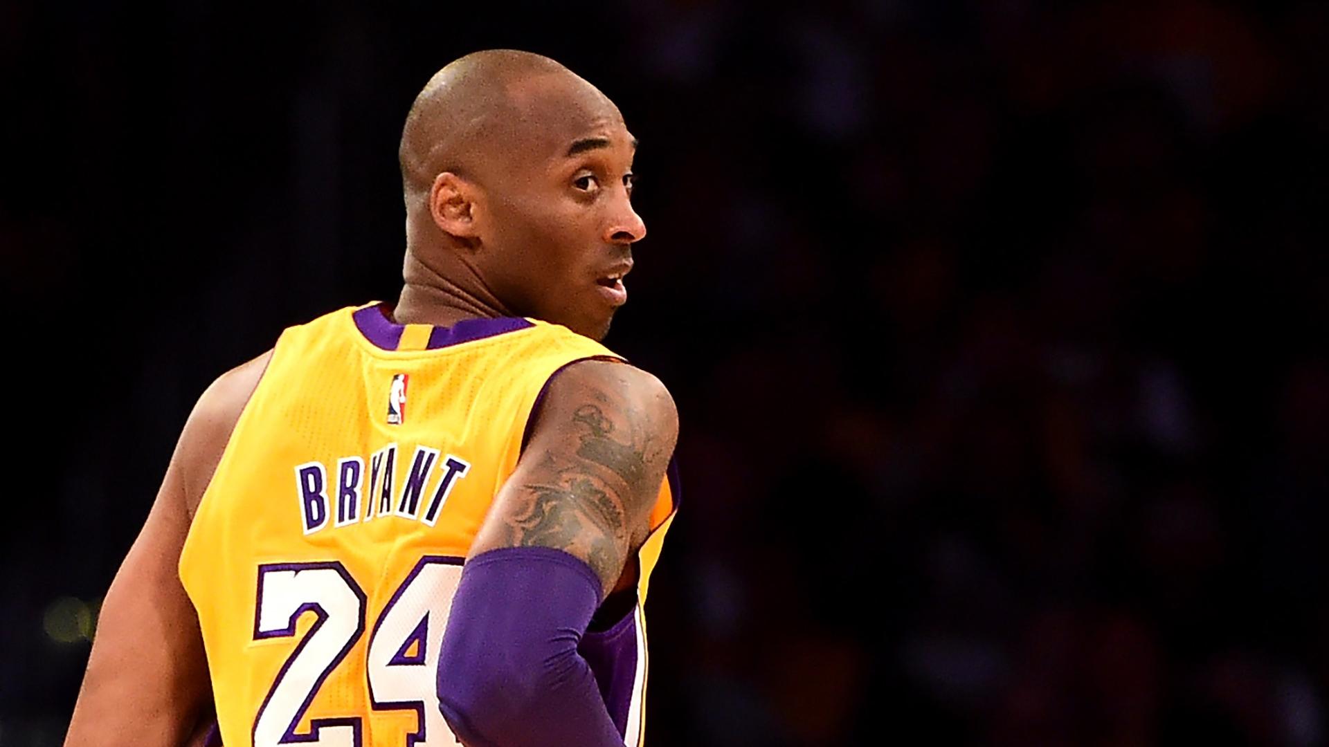 """""""Une véritable inspiration"""" - Le monde du football rend hommage à Kobe Bryant"""