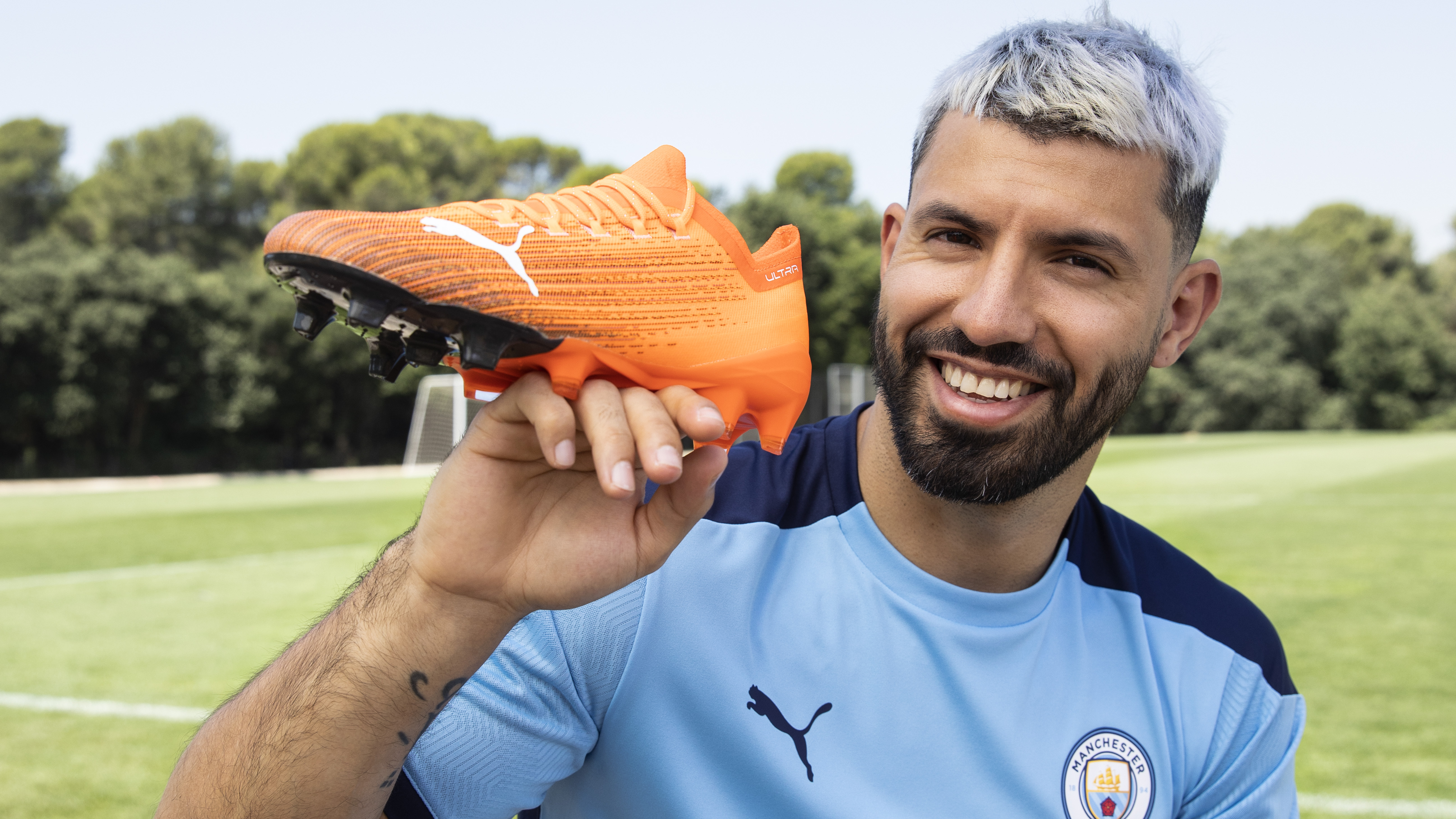 Built for Speed - Antoine Griezmann and Sergio Aguero's stunning new Puma football boot!
