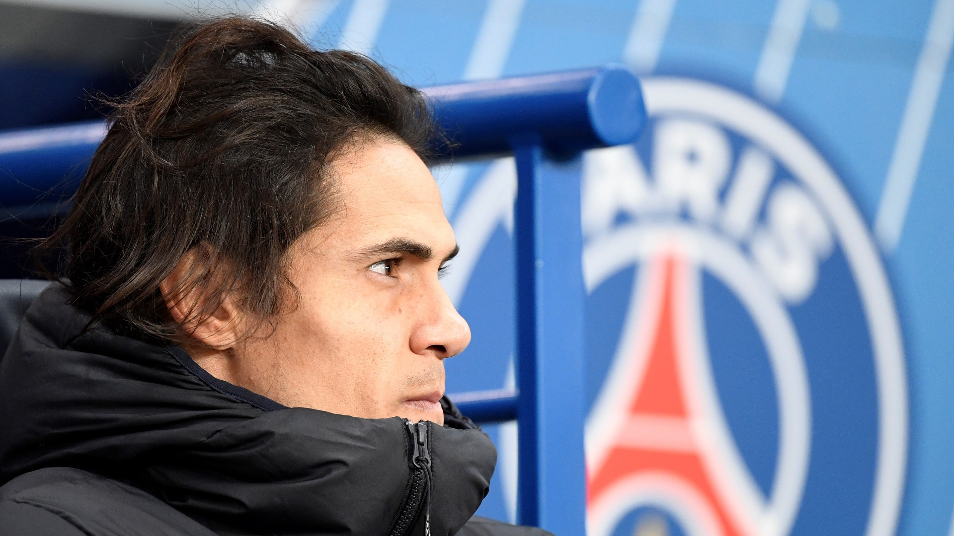 'PSG are not behaving well' - Cavani's mother says striker wants Atletico move