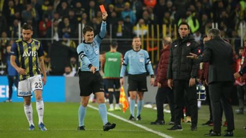 Ersun Yanal kırmızı kart Fenerbahce Galatasaray
