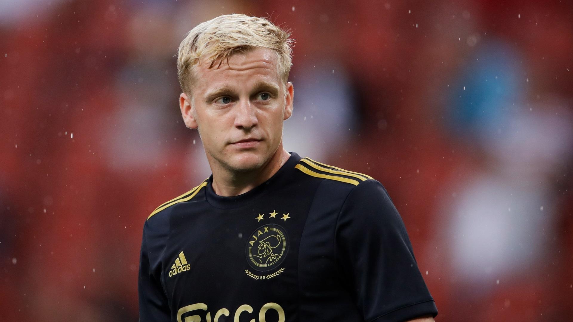 Van De Beek Reveals Bergwijn Tried To Get Him To Sign For Spurs Over Man Utd Goal Com