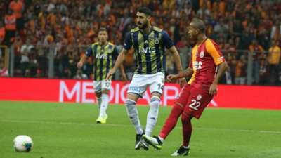 Tolga Cigerci, Mariano , Galatasaray v Fenerbahce 09282019