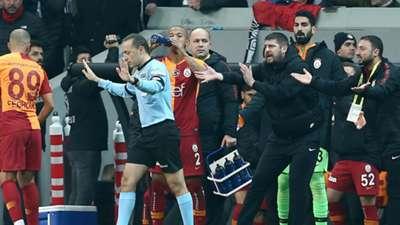 Cuneyt Cakir Umit Davala Besiktas Galatasaray 12022018