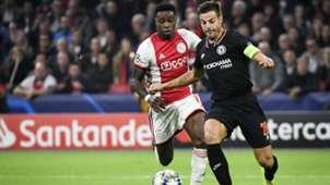 Quincy Promes Cesar Azpilicueta Ajax - Chelsea 10232019