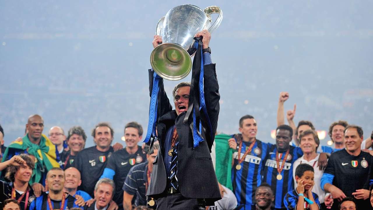 27 Jose Mourinho Inter Milan Champions League trophy