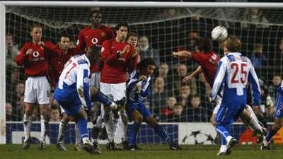 Benni McCarthy Porto Manchester United Champions League 2004