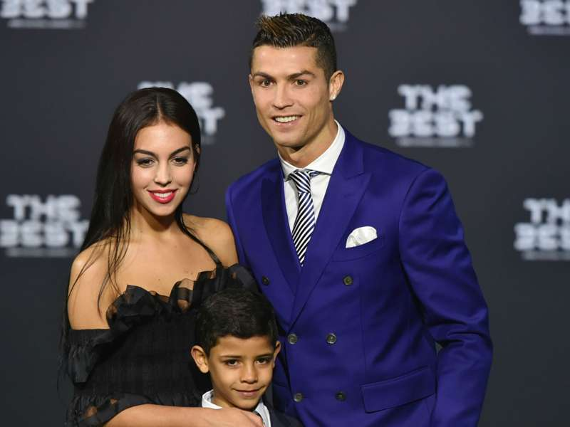 Who Is Georgina Rodriguez Cristiano Ronaldo Attends Fifa Awards With New Girlfriend Goal Com