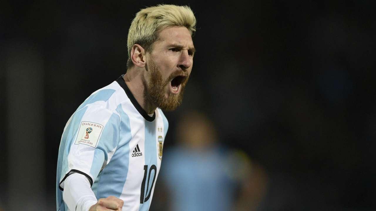 Lionel Messi Argentina v Urugu