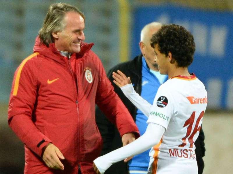 Galatasaray hand debut to 14-year-old Mustafa Kapi