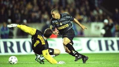 1998 UEFA Cup final Ronaldo Inter Milan Lazio