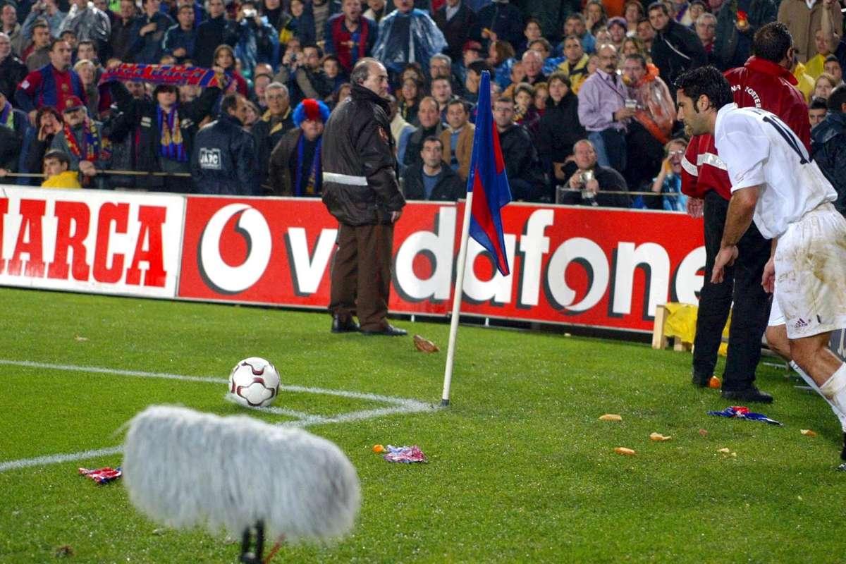 ดีลช็อคโลก! ฟิโก้เล่าปมหักหน้าบาร์ซาซบราชัน | Goal.com