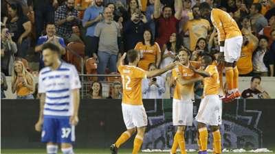 Houston Dynamo celebrate FC Dallas MLS 031216.jpg
