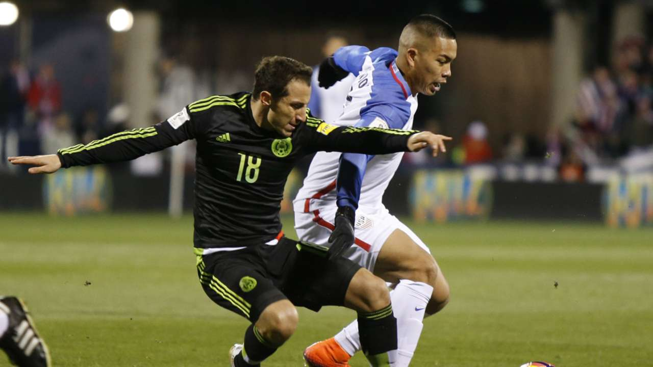 Andres Guardado Mexico Bobby Wood United States CONCACAF World Cup qualifier 11112016