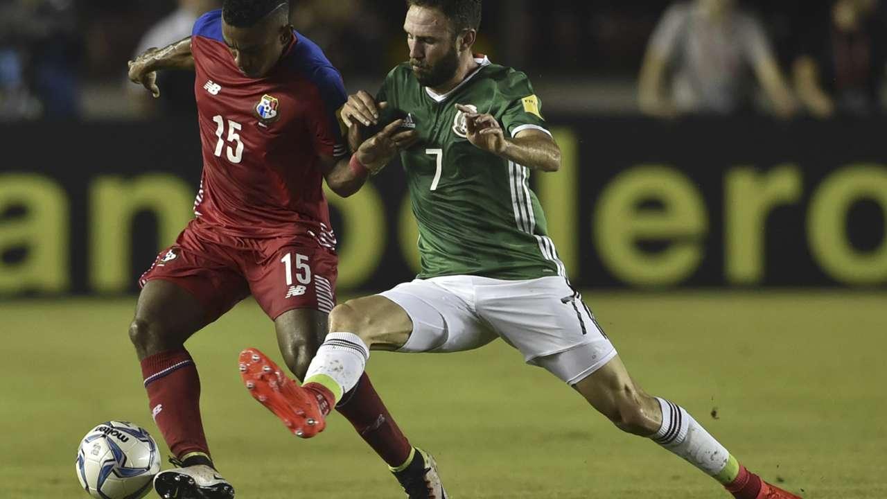 Edgar Barcenas Miguel Layun Panama Mexico 11152016