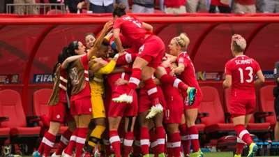 Canada Women celebrate a goal versus Switzerland 2015 Women's World Cup 20156021