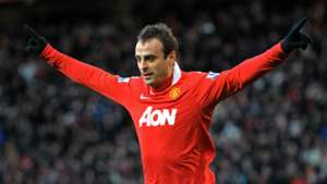 Former Manchester United and Bulgaria star Berbatov confirms retirement