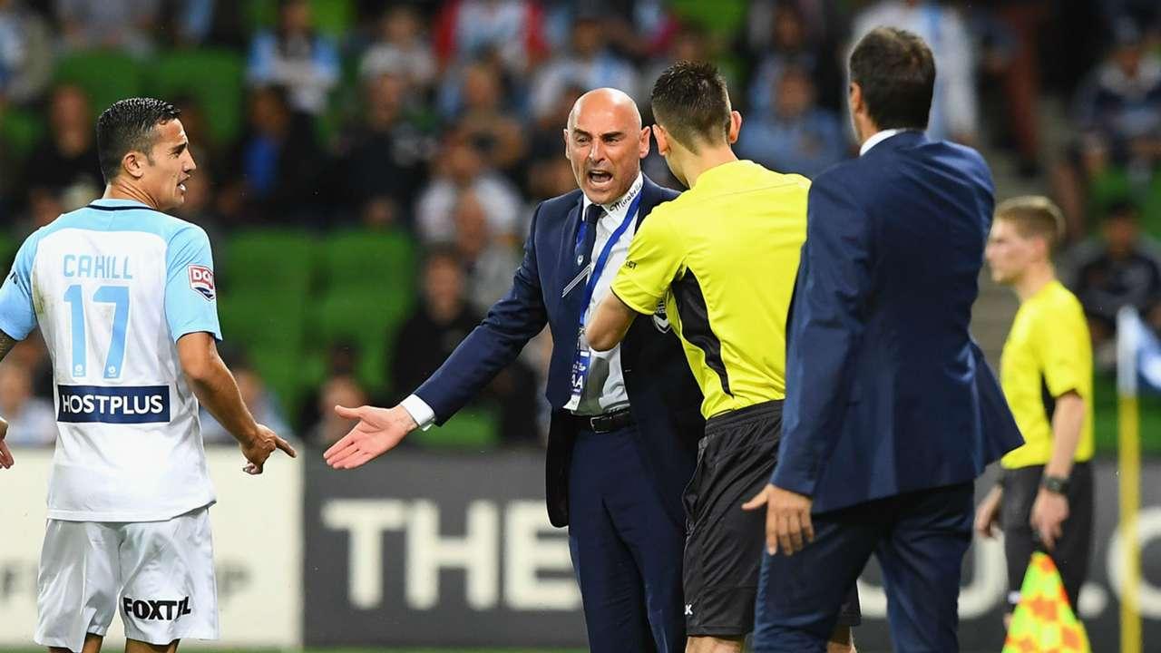Kevin Muscat Melbourne Victory v Melbourne City FFA Cup 25102016