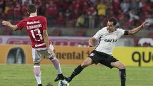 Rodrigo Dourado Rodriguinho Internacional Corinthians Copa do Brasil 12042017