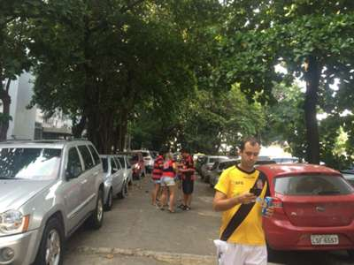 Chegada torcedores Vasco x Flamengo 19 04 15