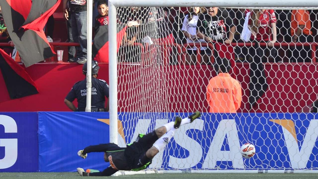 Victor Atlético MG sofre gol Tijuana MEX 23 05 2013