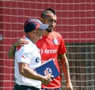 Arturo Vidal y Jorge Sampaoli.