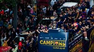 Barcelona celebration tour de city