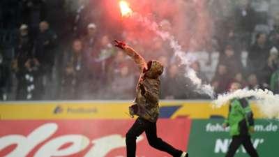 borussia m'gladbach koln - fans riots police - bundesliga - 14022015