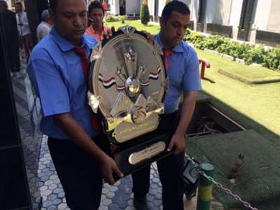 The arrival of the Egyptian league shield 2015-2016 season to Ahly club