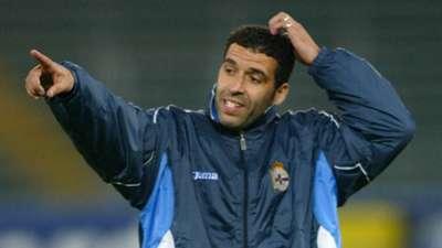 Noureddine Naybet of Deportivo La Coruna