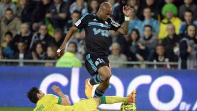 Andre Ayew of Marseille and Alejandro Bedoya of Nantes