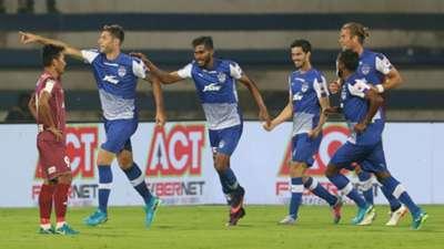 Juanan Bengaluru FC NorthEast United FC ISL 4 2017/2018