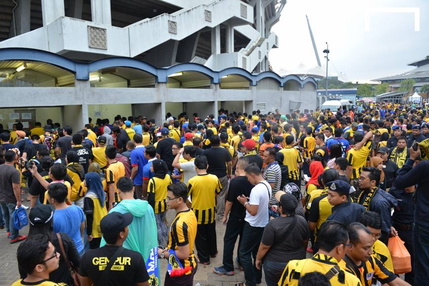 Malaysia Fans - Malaysia vs Thailand 20122014