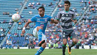 Cruz Azul vs Santos 16042016 Liga MX Jorge Benítez