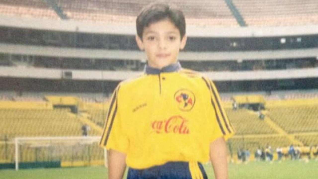 Raúl Jiménez, niño, americanista