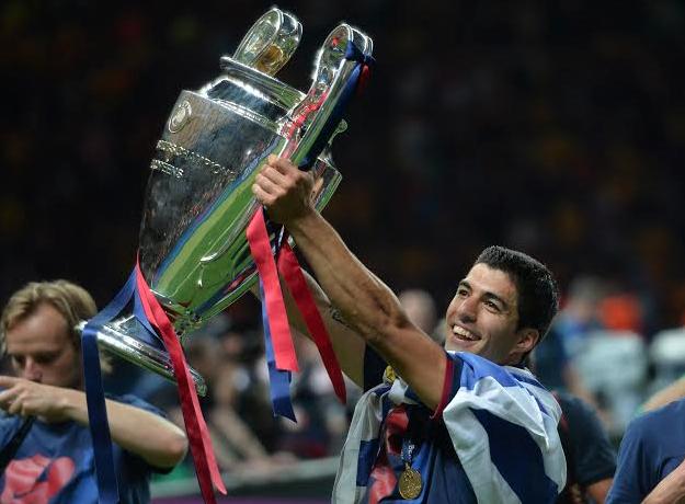 Luis Suárez, el primer uruguayo en levantar la Orejona | Goal.com