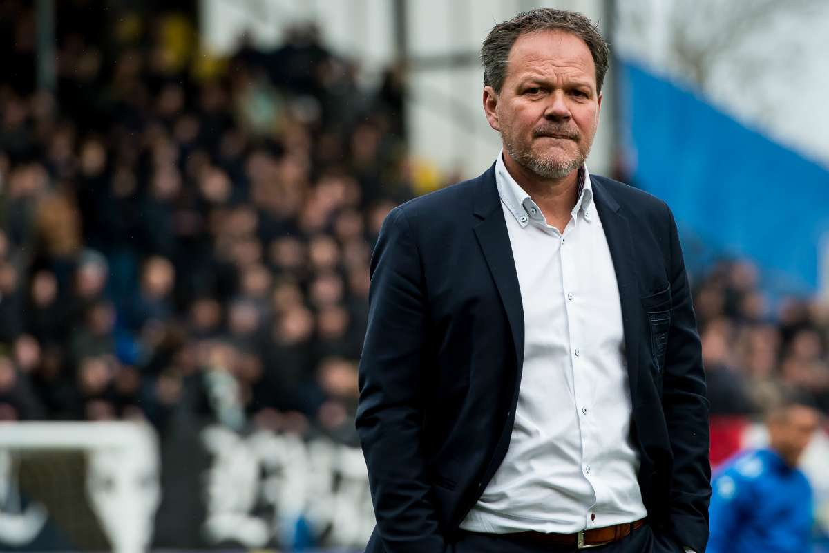 The Biggest Disgrace In The History Of Dutch Sports Cambuur Boss Rages After His Side Denied Promotion Goal Com