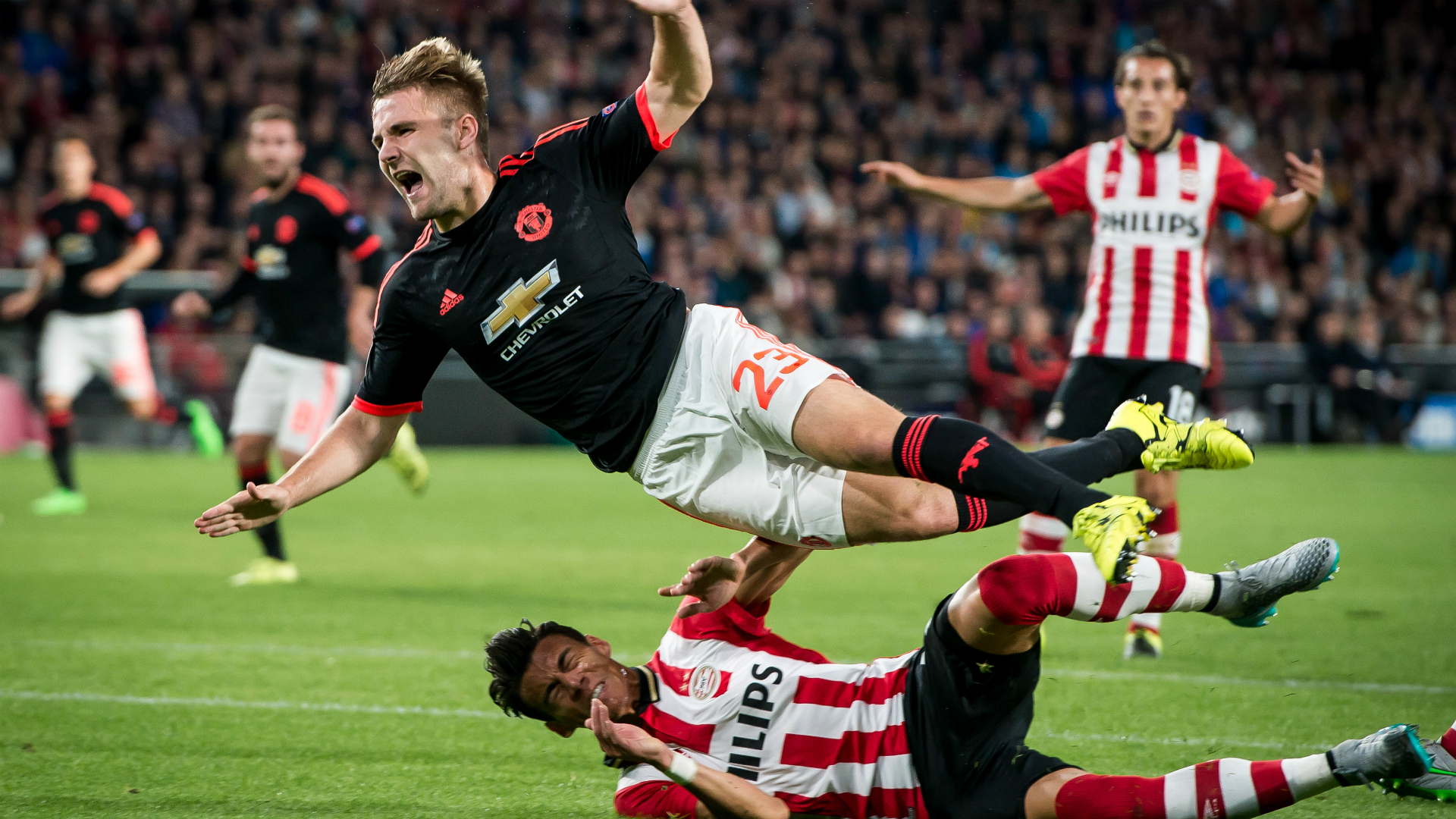 Hector Moreno Luke Shaw PSV Manchester United Champions League 09152015
